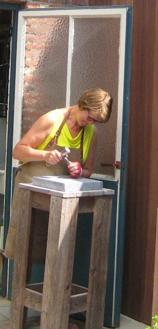 Denise aan het werk