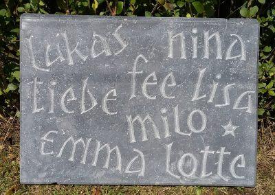 Opdracht 2017 steen met namen